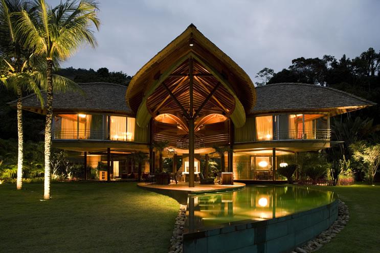 Leaf House pool area