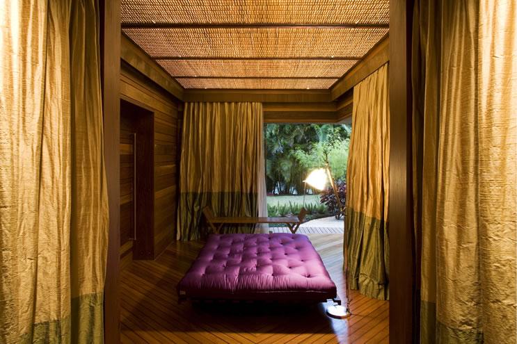 leaf house massage room