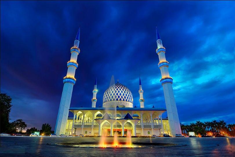 Shah Alam Mosque - Kuala Lumpur, Malaysia