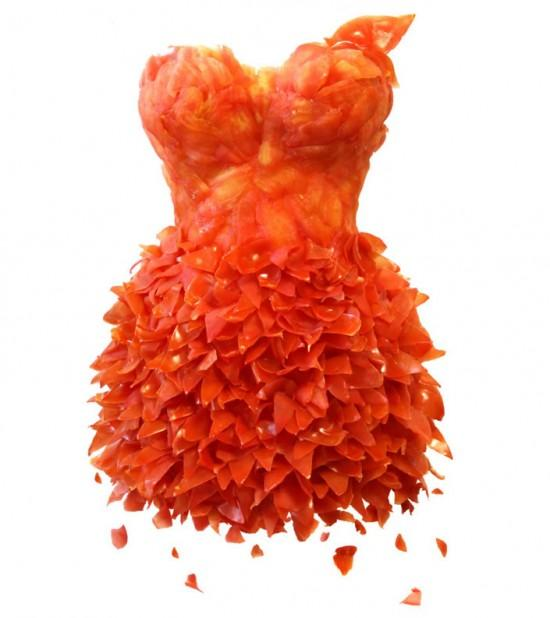 Dresses made of food tomatoes