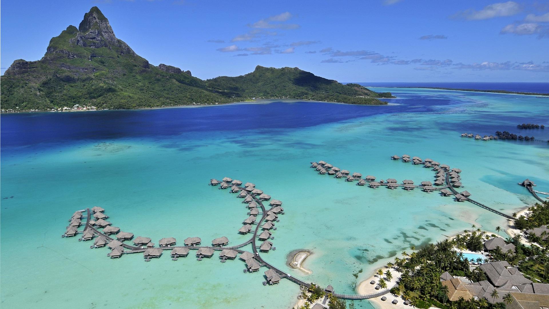 Bora-Bora-Island-sea-beach-houses