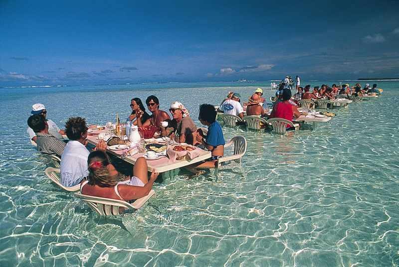 French_Polynesia_Bora_Bora_picnic