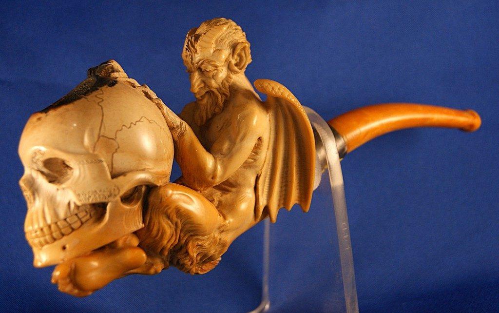 Evil meerschaum pipe