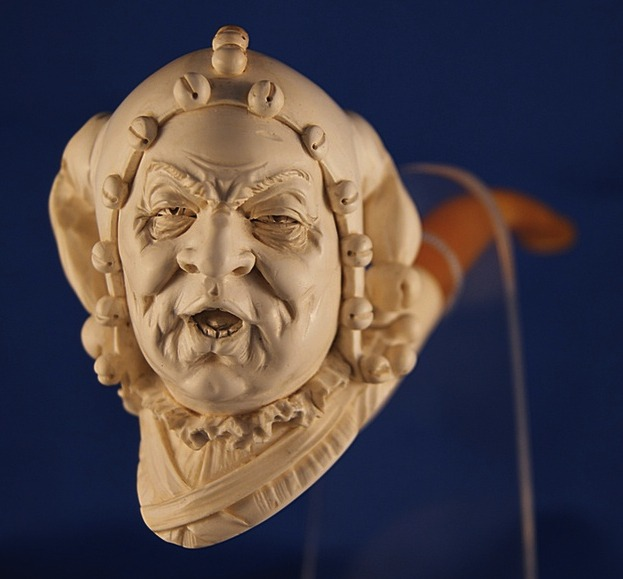 carved meerschaum pipes