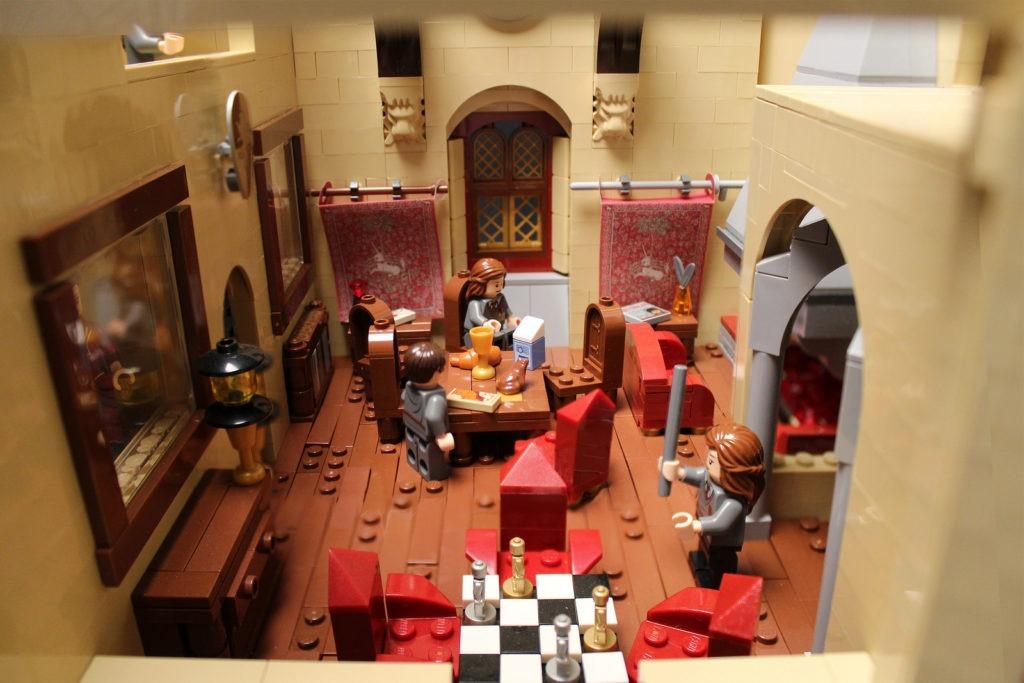 Gryffindor common room lego hogwarts